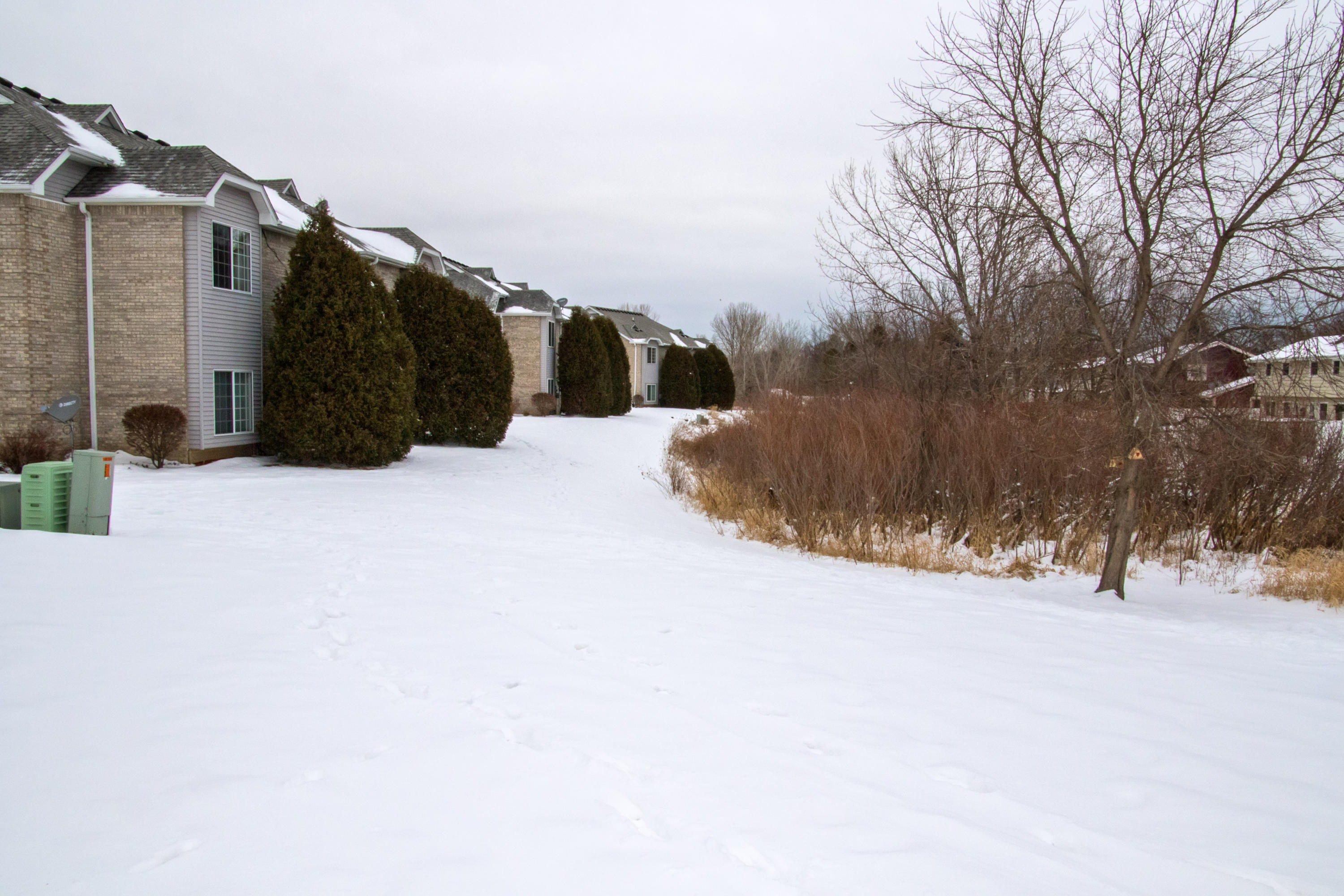 6924 Rolling Meadows CT, Oak Creek, Wisconsin 53154, 2 Bedrooms Bedrooms, 4 Rooms Rooms,2 BathroomsBathrooms,Condominium,For Sale,Rolling Meadows CT,1723519