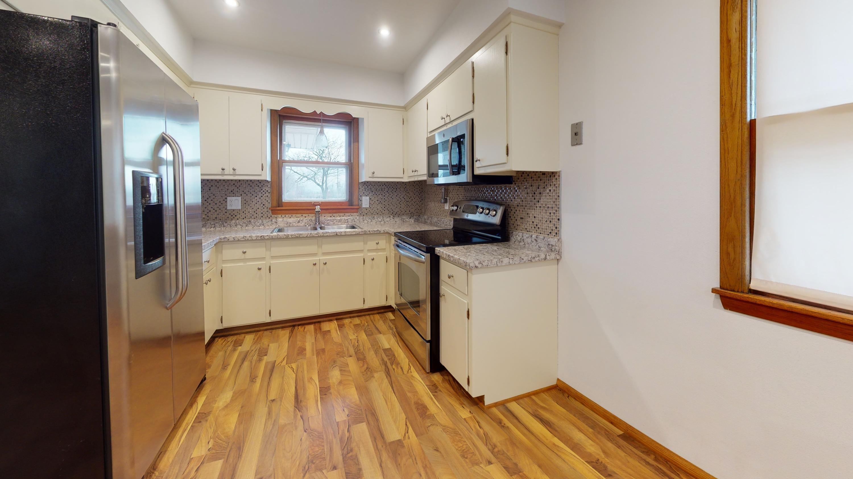 2509-W-Layton-Ave-Kitchen