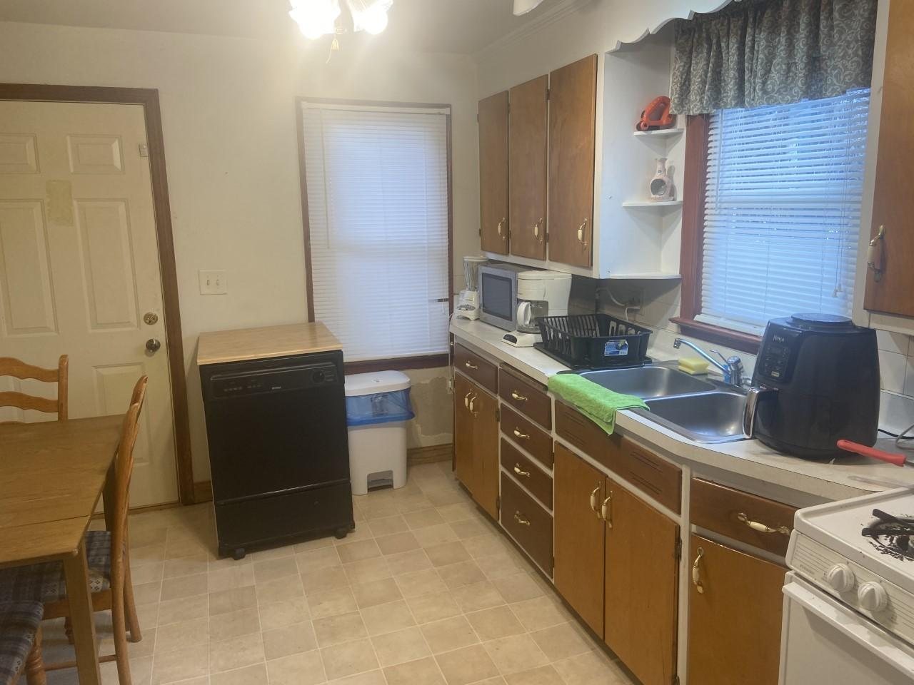 1721 Derby kitchen 2