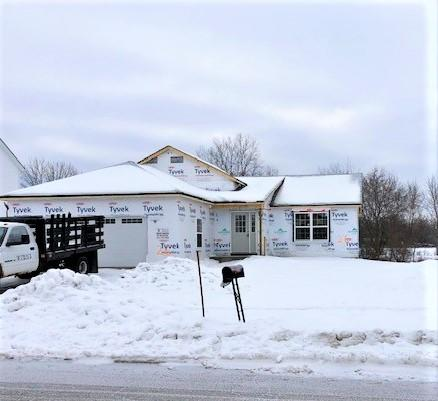 1323 Longneedle Ln, Elkhorn, Wisconsin 53121, 3 Bedrooms Bedrooms, ,2 BathroomsBathrooms,Single-family,For Sale,Longneedle Ln,1710915