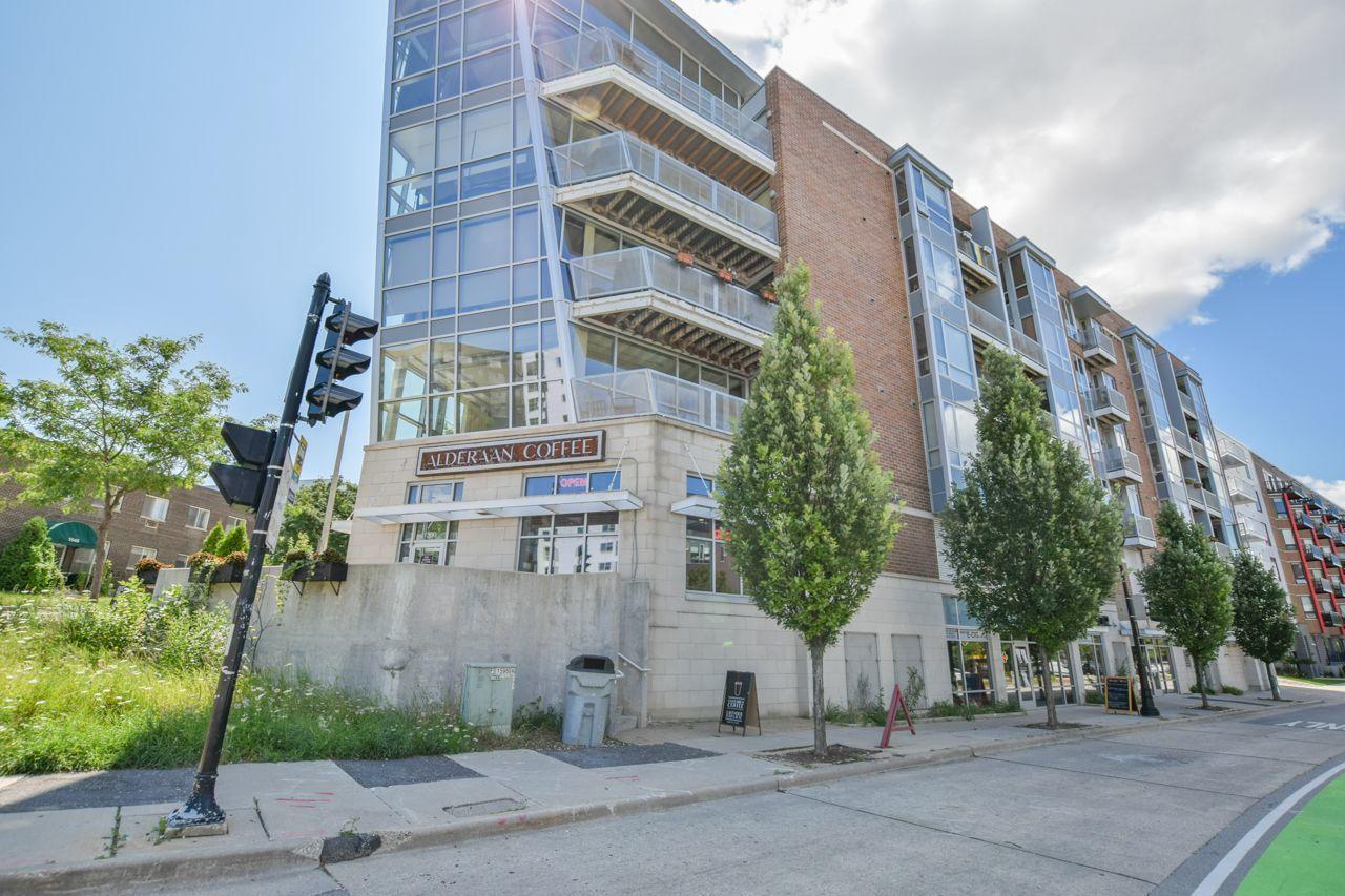 1541 Jefferson St, Milwaukee, Wisconsin 53202, 2 Bedrooms Bedrooms, ,2 BathroomsBathrooms,Condominium,For Sale,Jefferson St,1724845