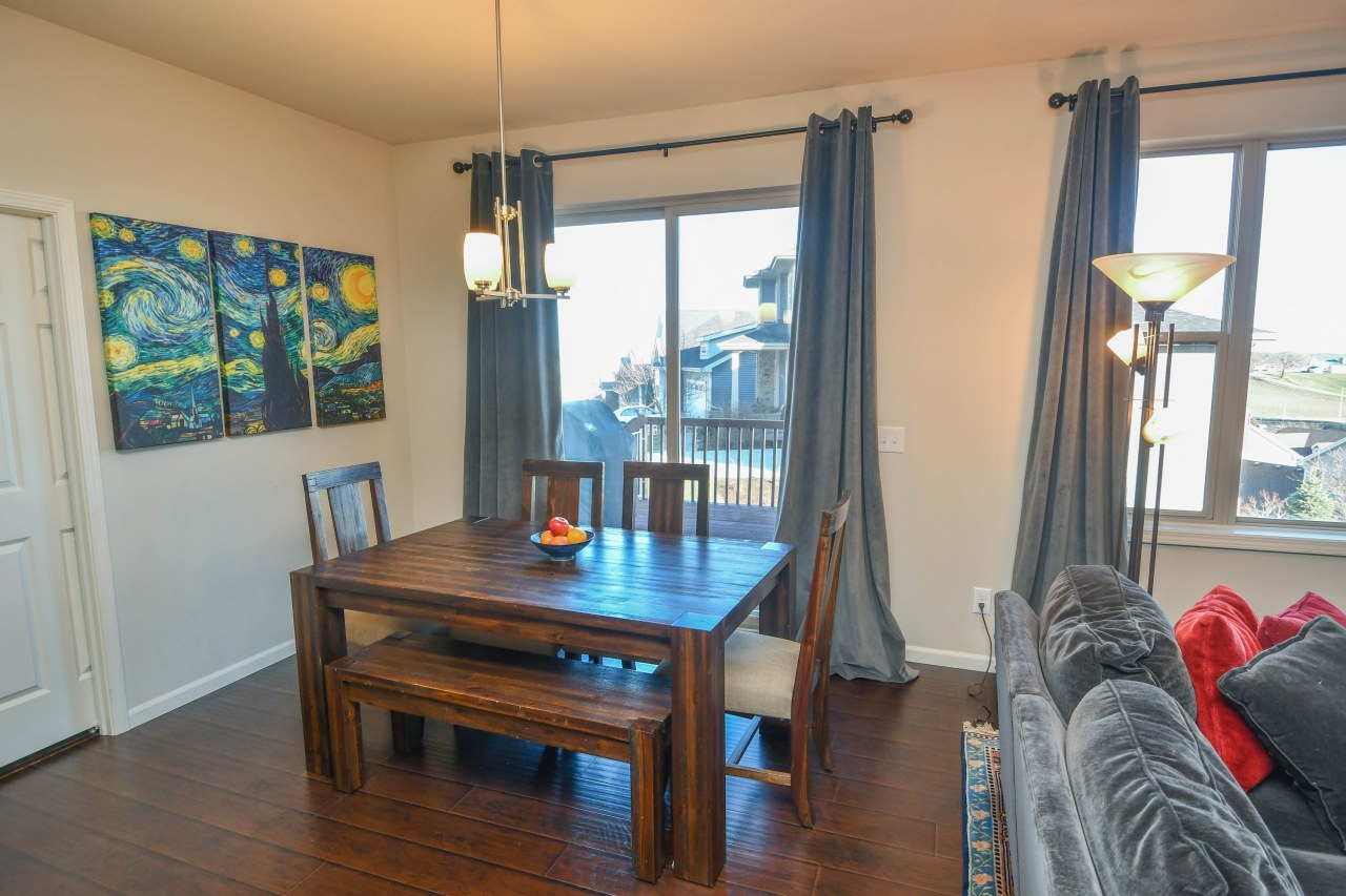 Dinette and Deck Access