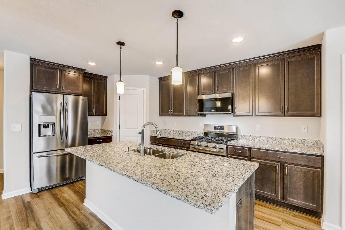 503 Hunter Oaks Blvd 03 Kitchen
