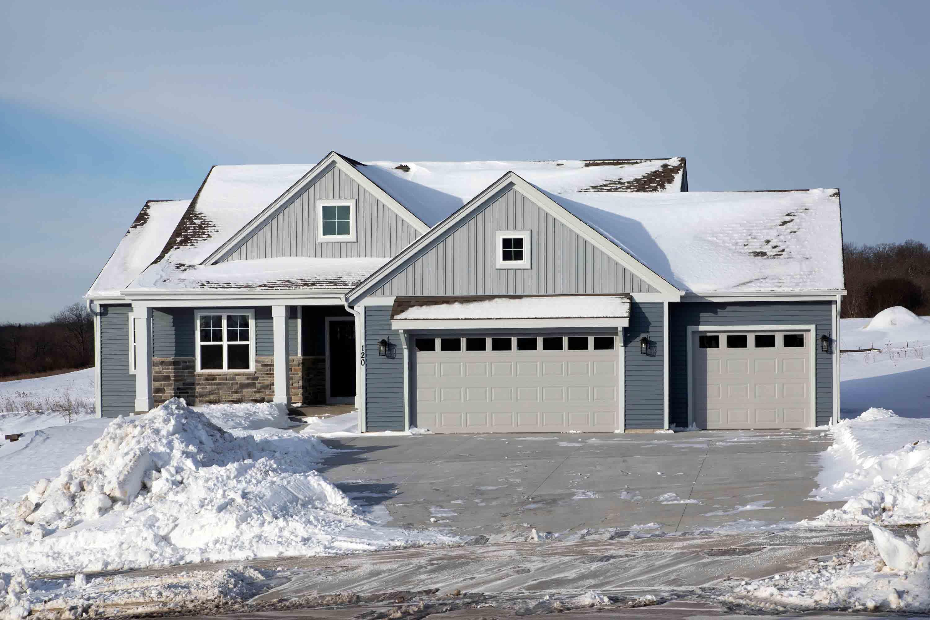 Photo of 120 Scarlet Oak Ln, Waukesha, WI 53188