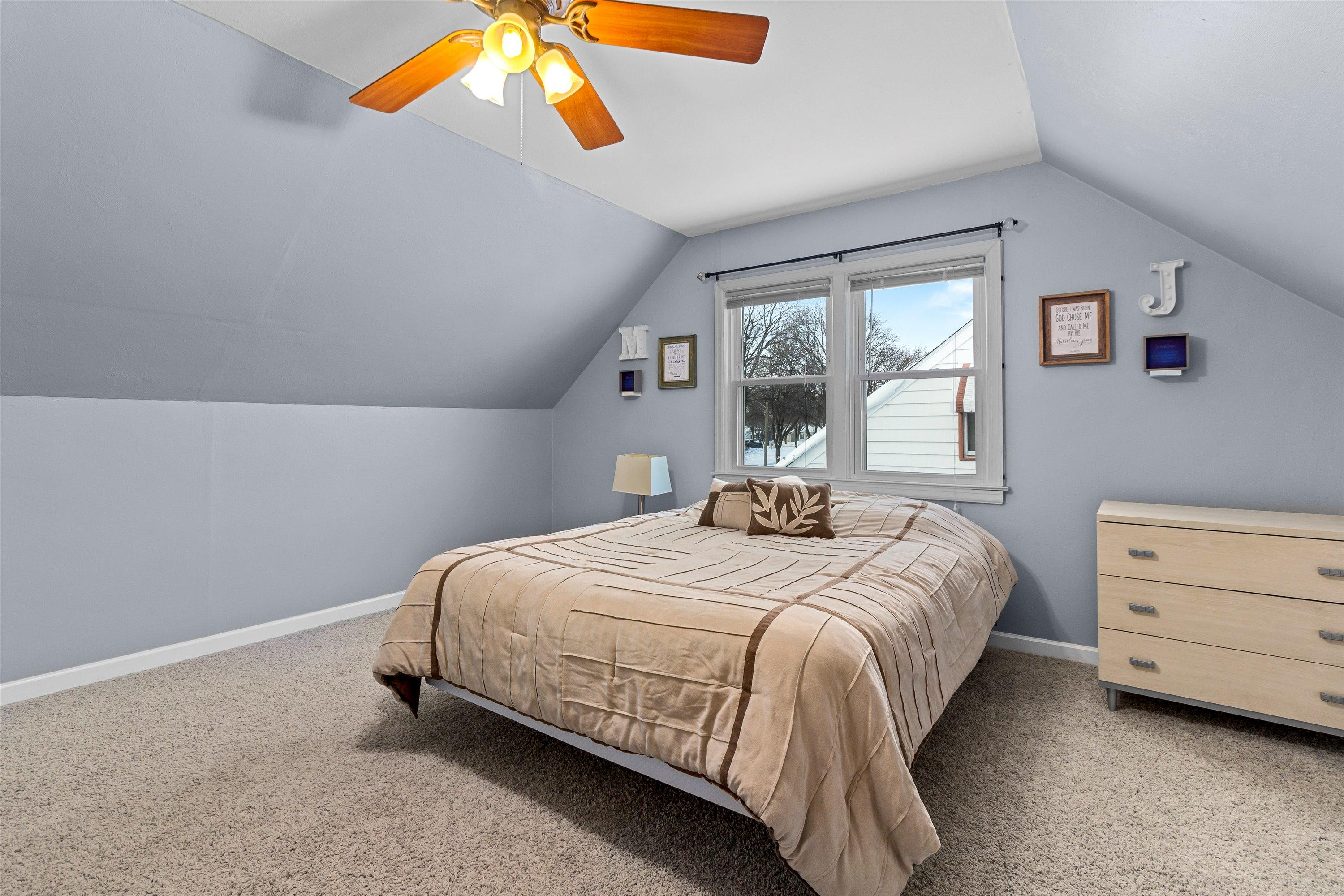 Master bedroom upper
