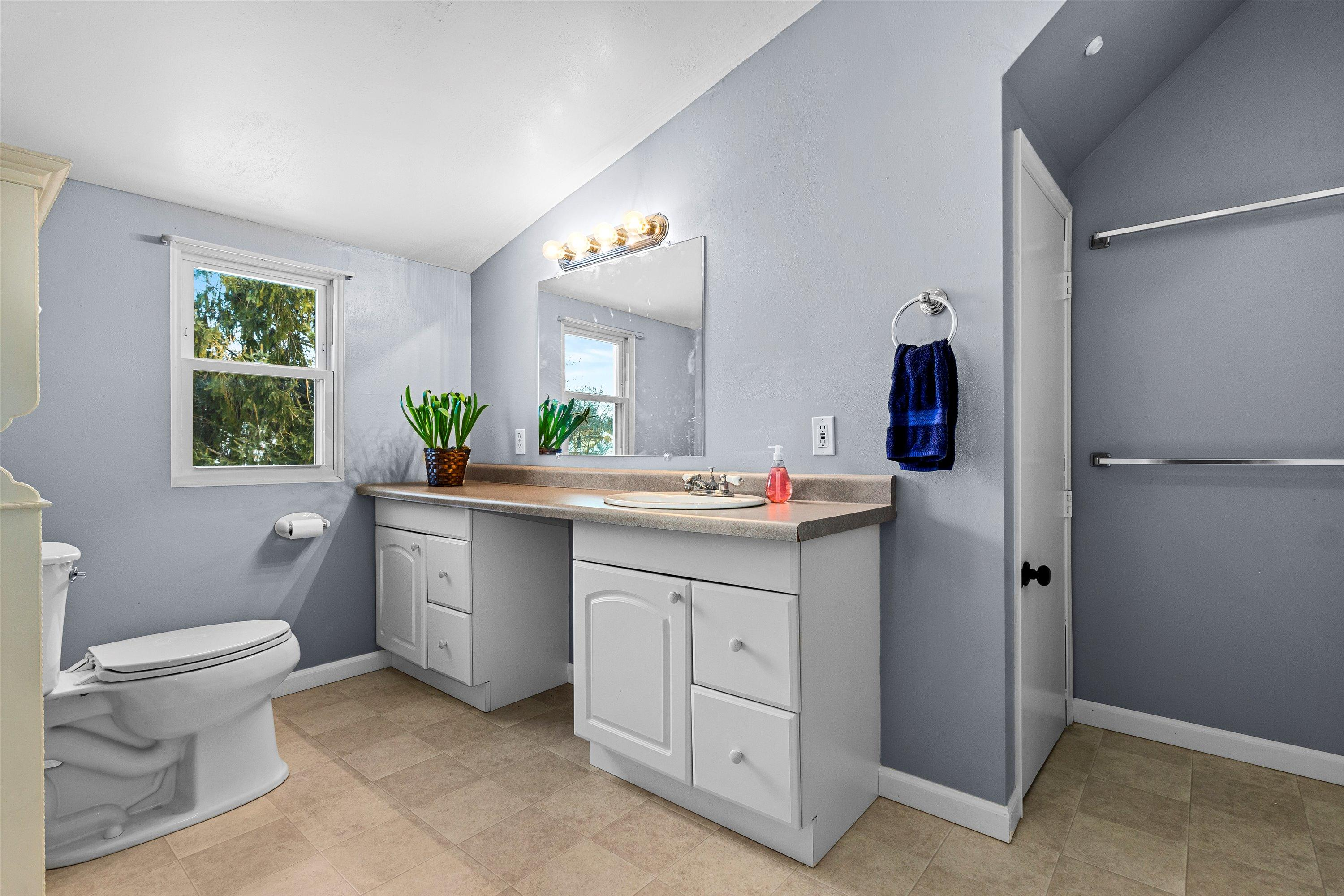 Master bathroom upper