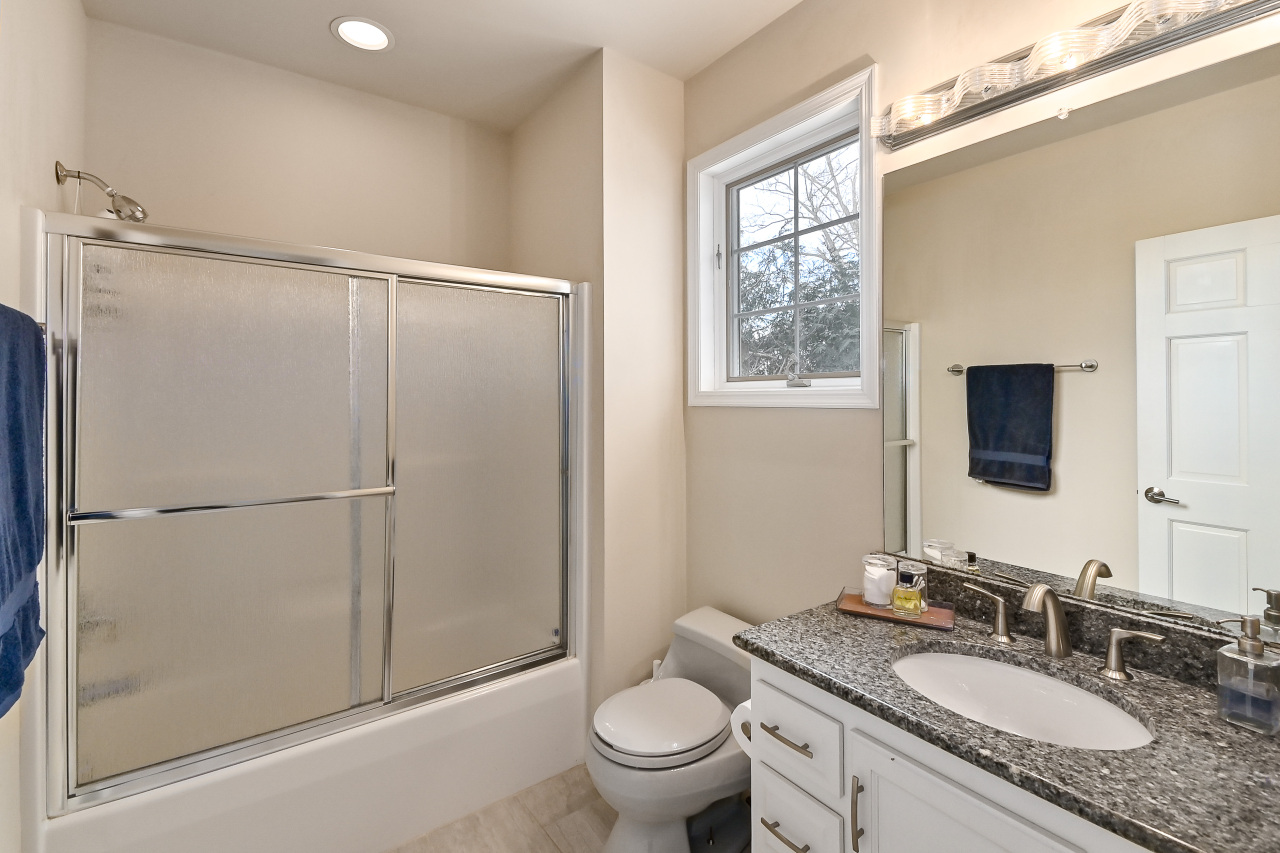 Ensuite Bedroom 2 Bathroom