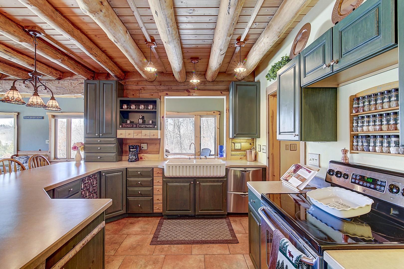 Custom Cabinets w/Upper & Lower Lighting