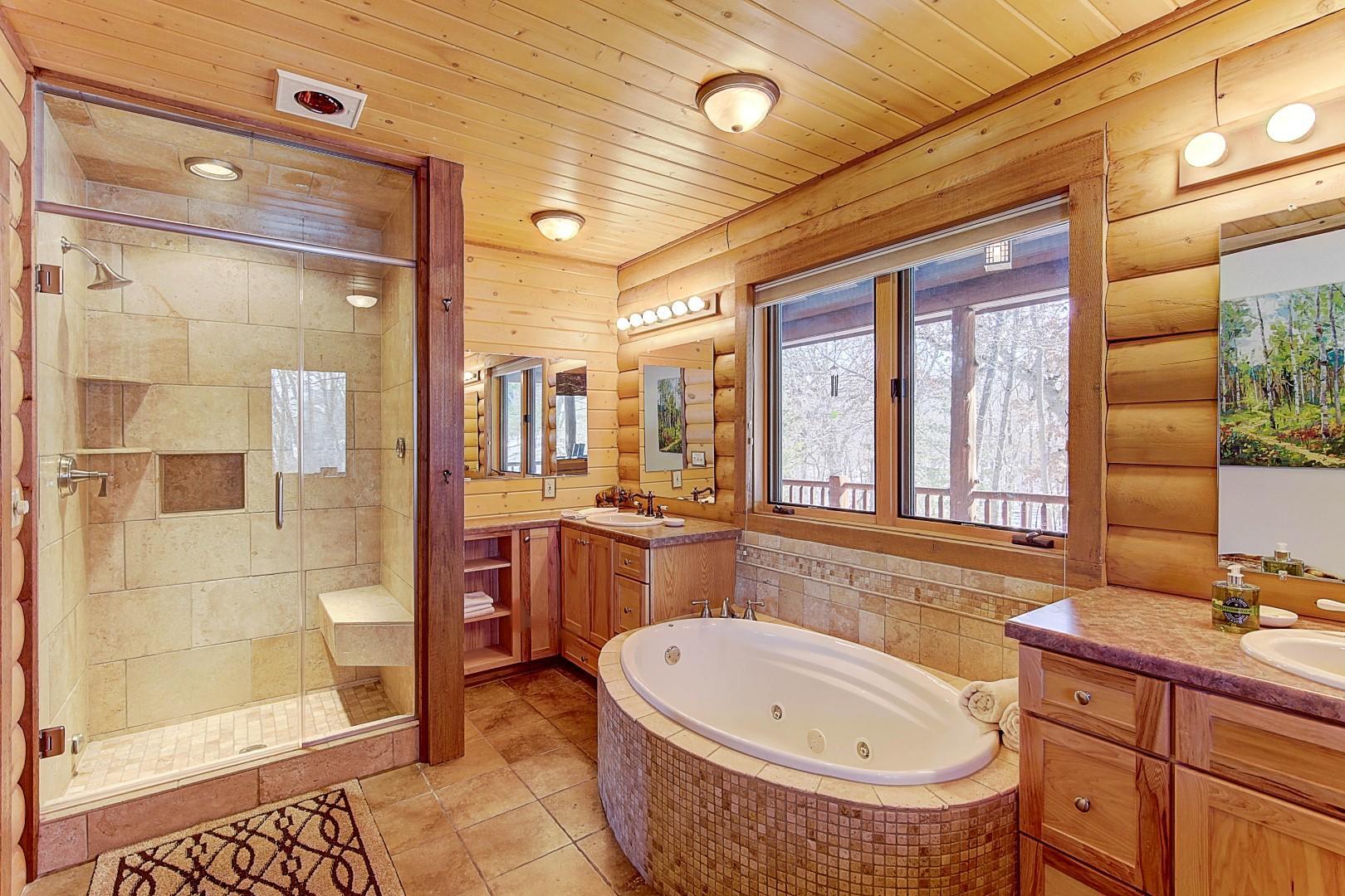 Master Bath w/ Steam Shower & heat lamp