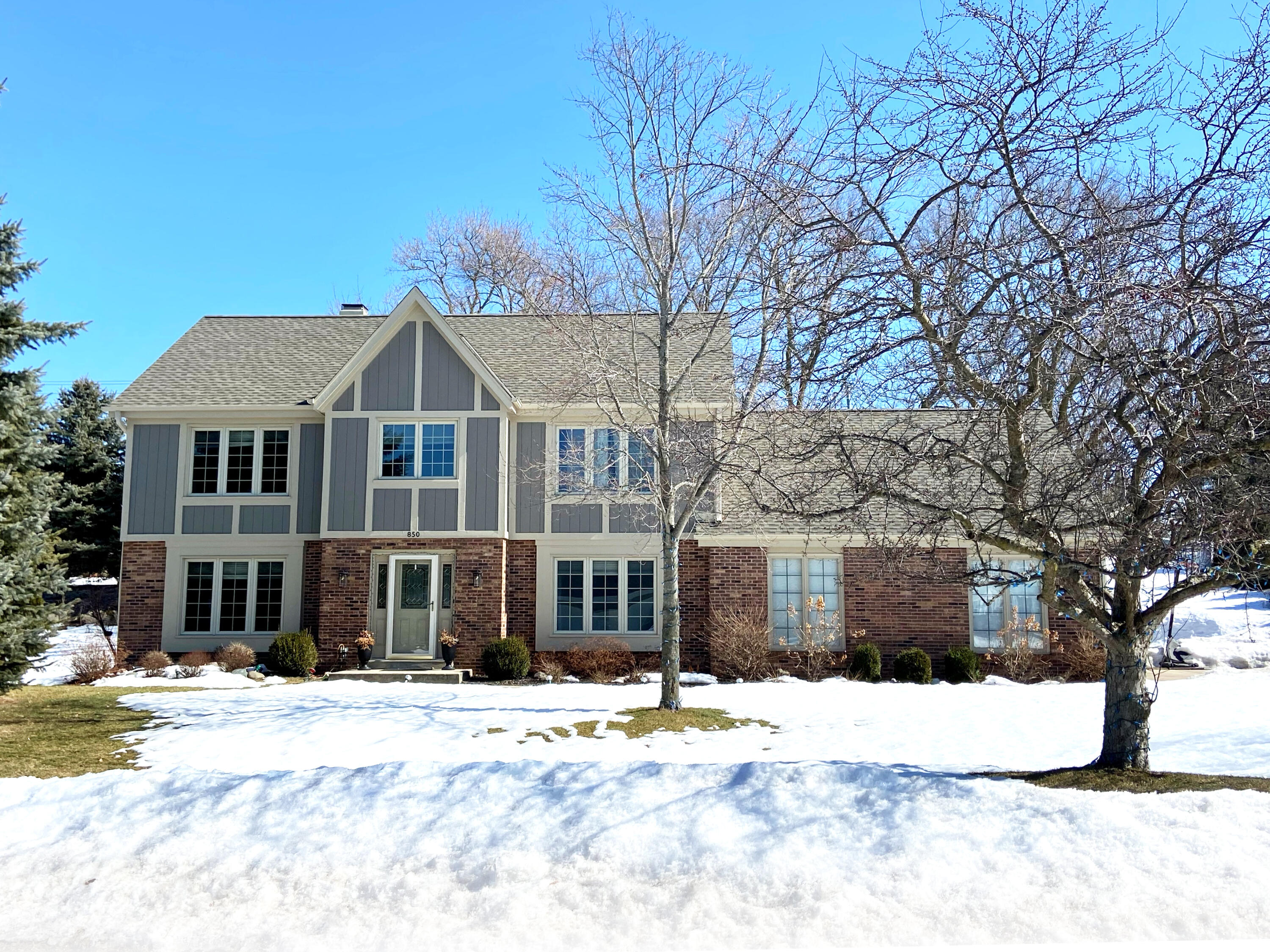Photo of 850 Calico Ct, Waukesha, WI 53186
