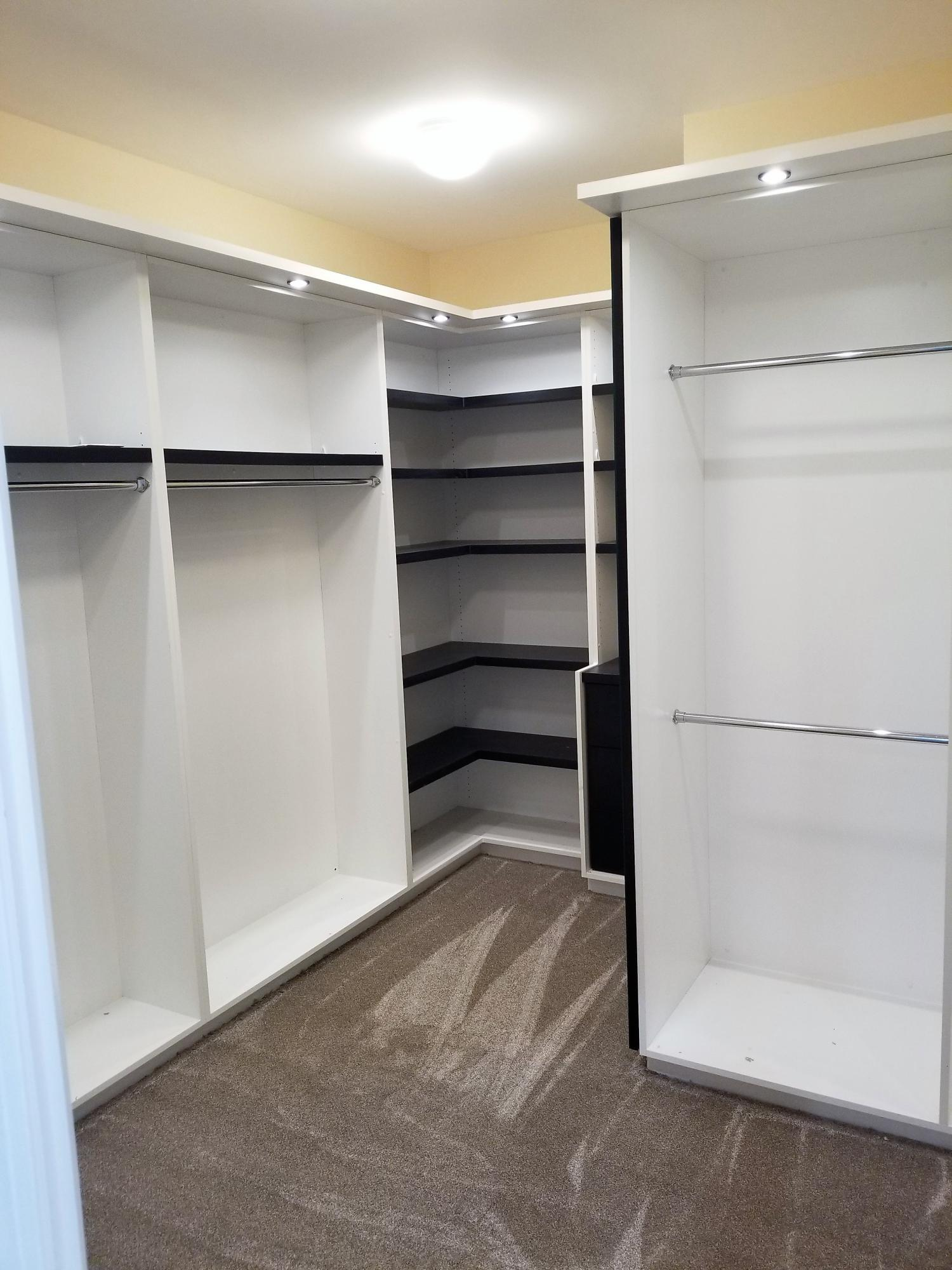 1237 1 of 2 Walk-in Closets in Master Be