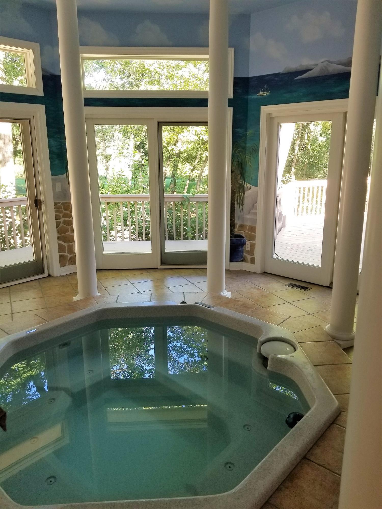 1237 Hot Tub Room