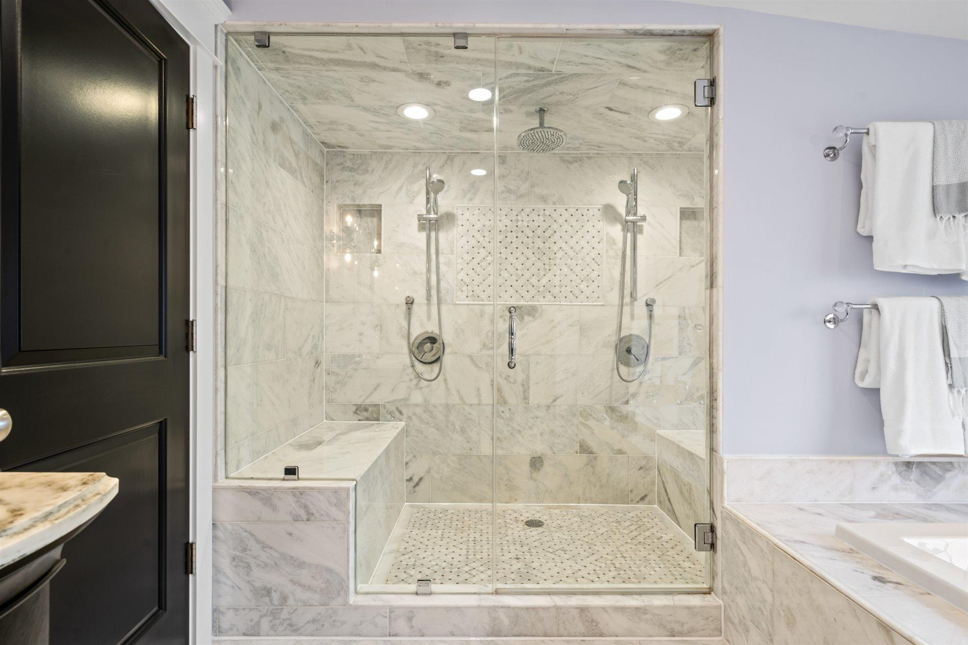 Main Bathroom (4)