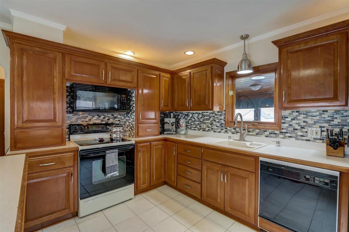 So Much Kitchen Storage