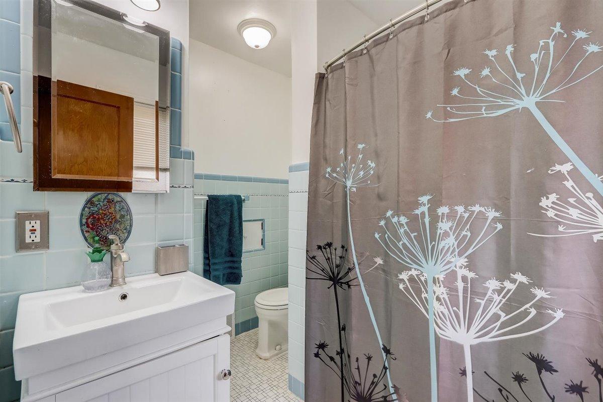 Full Bathroom Main Level