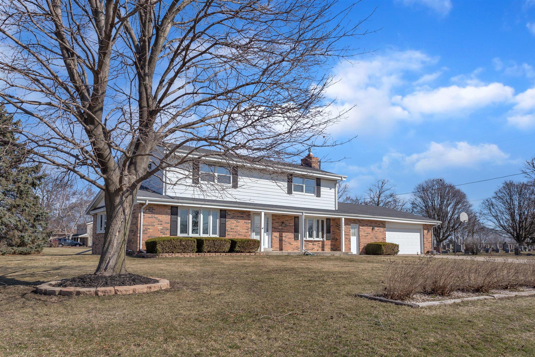 Photo of 1650 E Broadway, Waukesha, WI 53186