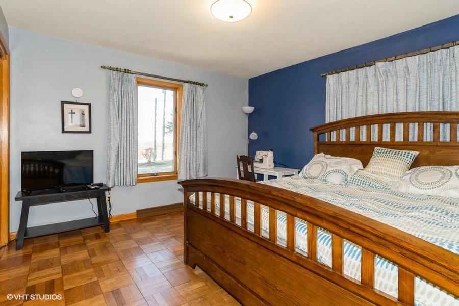 09_N7185EagleHillRoad_18_Bedroom_LowRes