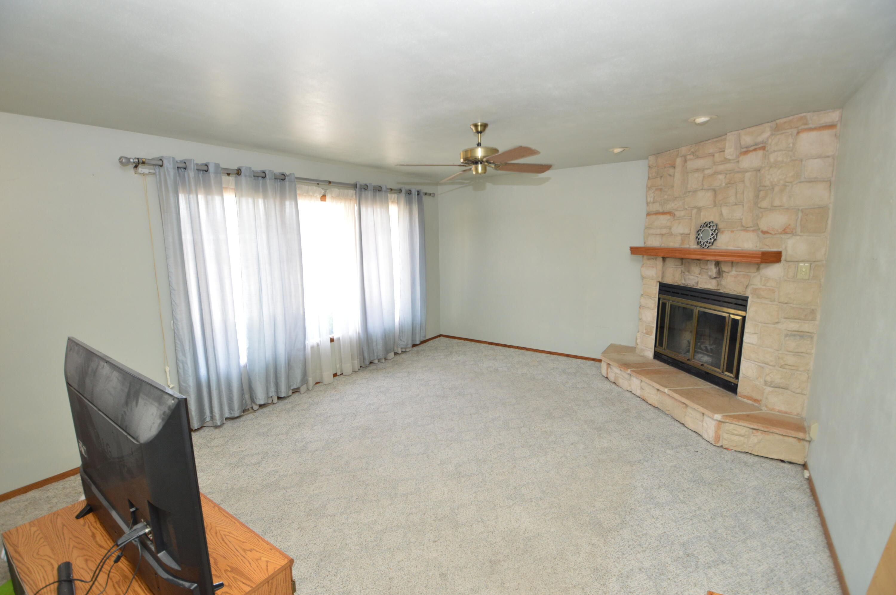 Living room w/nat fireplace
