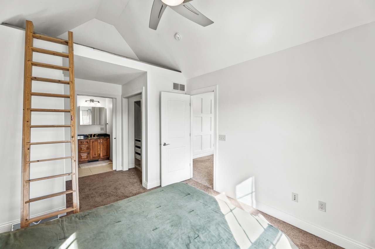 Bedroom 3 with Loft