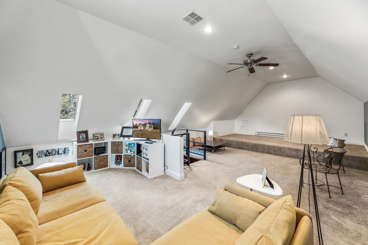 Upper Level Bonus Room 2