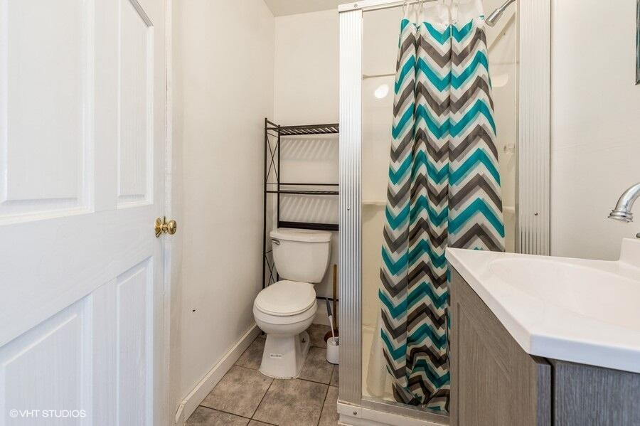 Unit 2 Bathroom