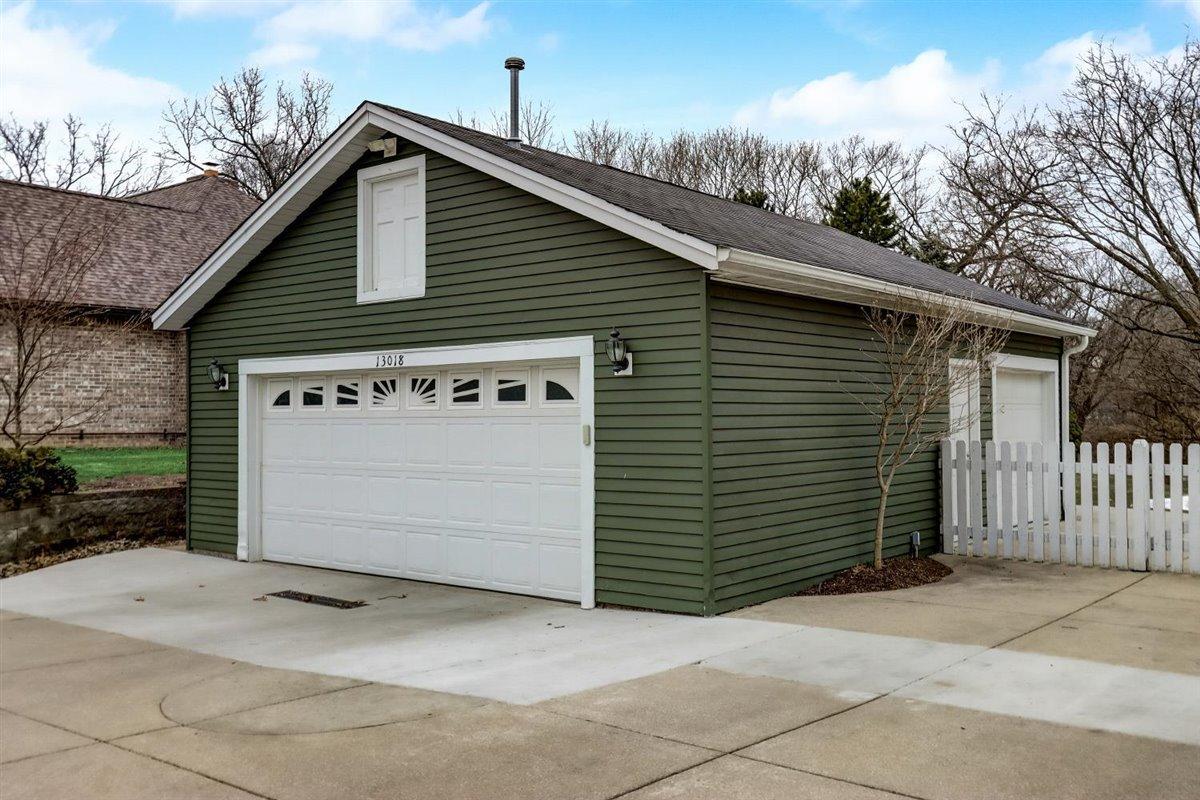 Detached Garage & Side Door