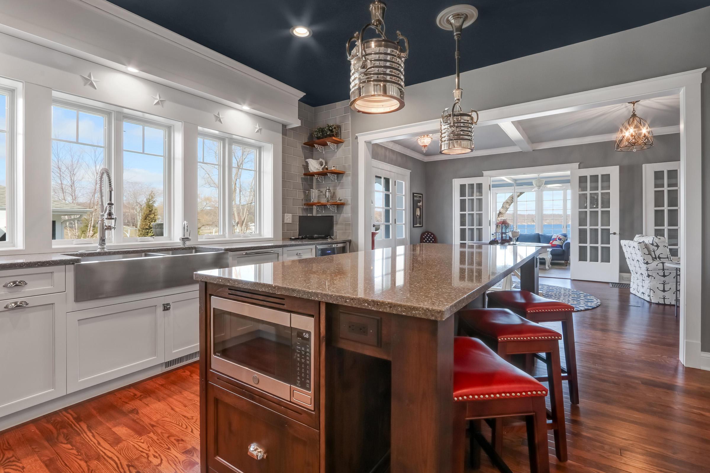Kitchen with Spacious Island