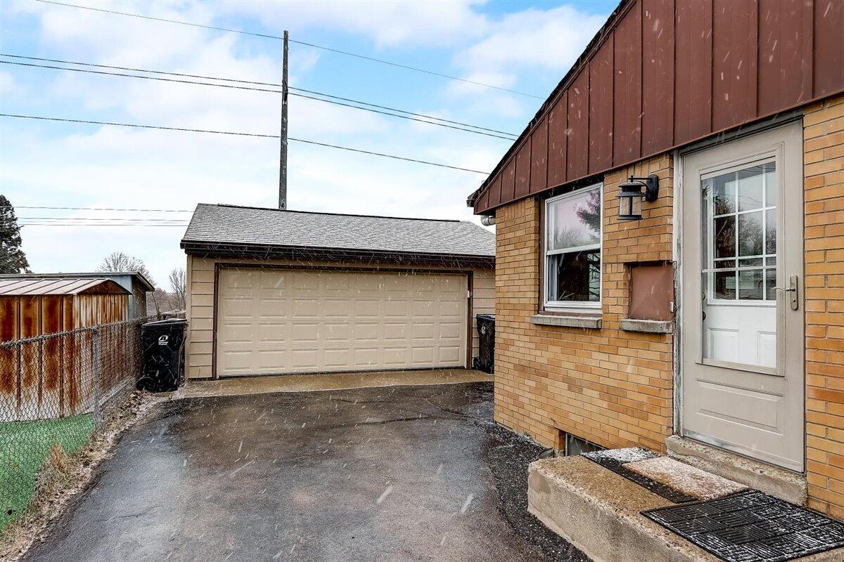 2.5 garage