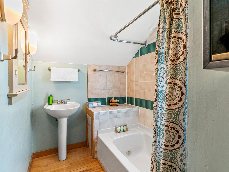 #31 145 Elias Bathroom