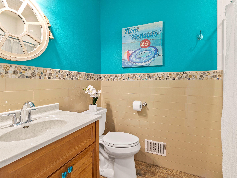 Full Bathroom for Pool Room