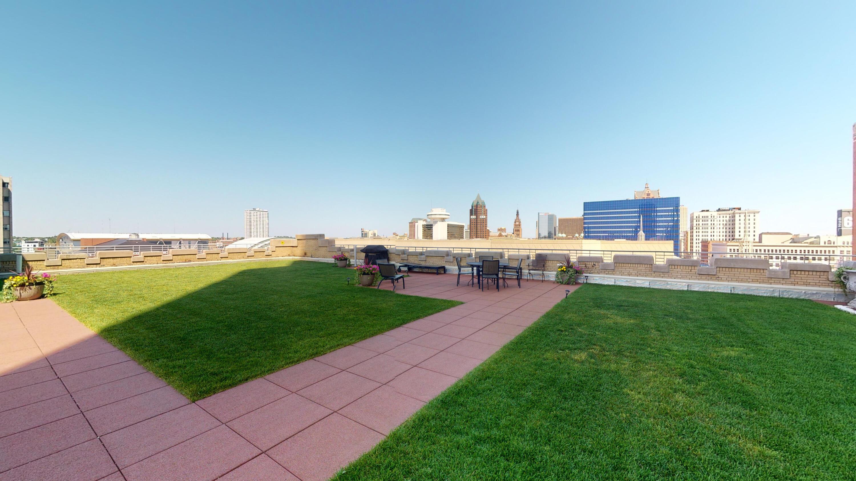 6th Floor Greenspace