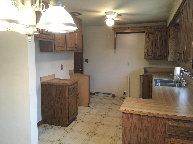 lynwood kitchen 2