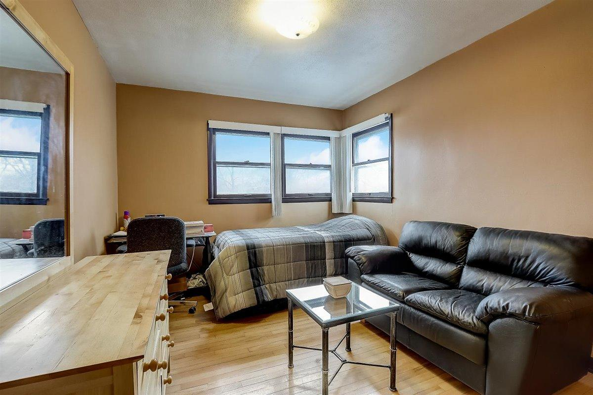 10-N Lydell Ave-010