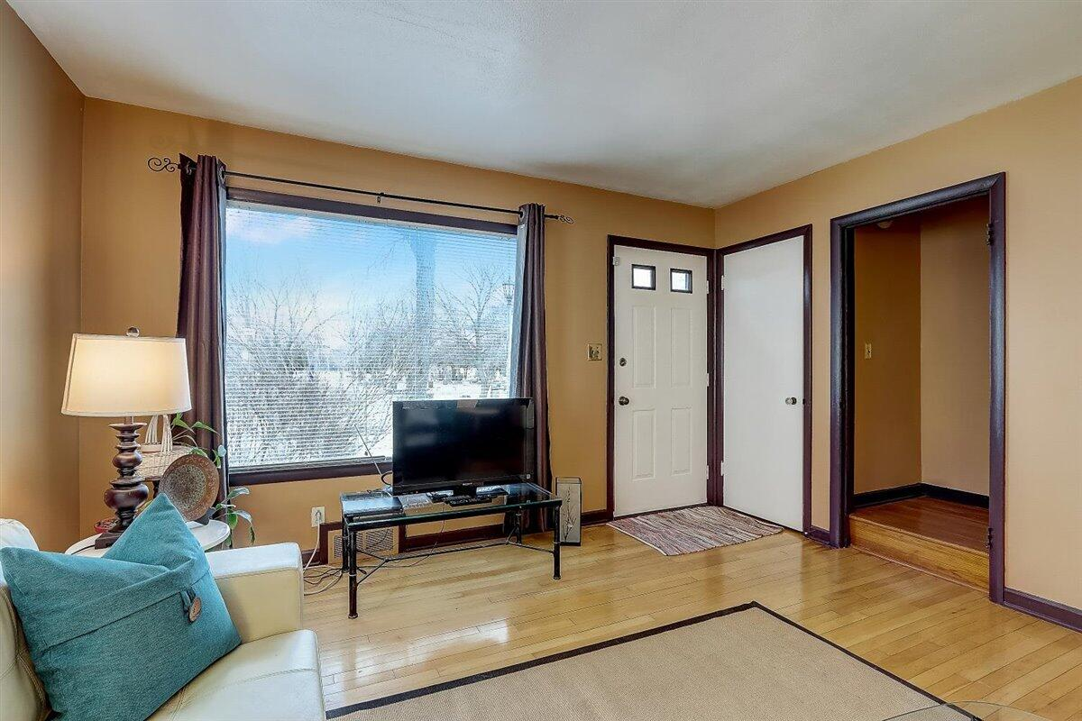 20-N Lydell Ave-020