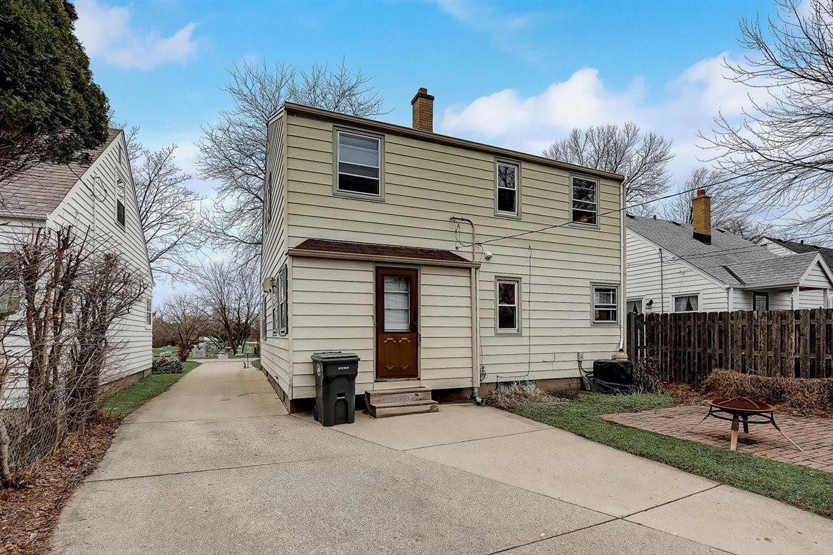 35-N Lydell Ave-035