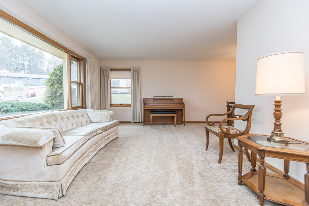 Living Room has Picture Window