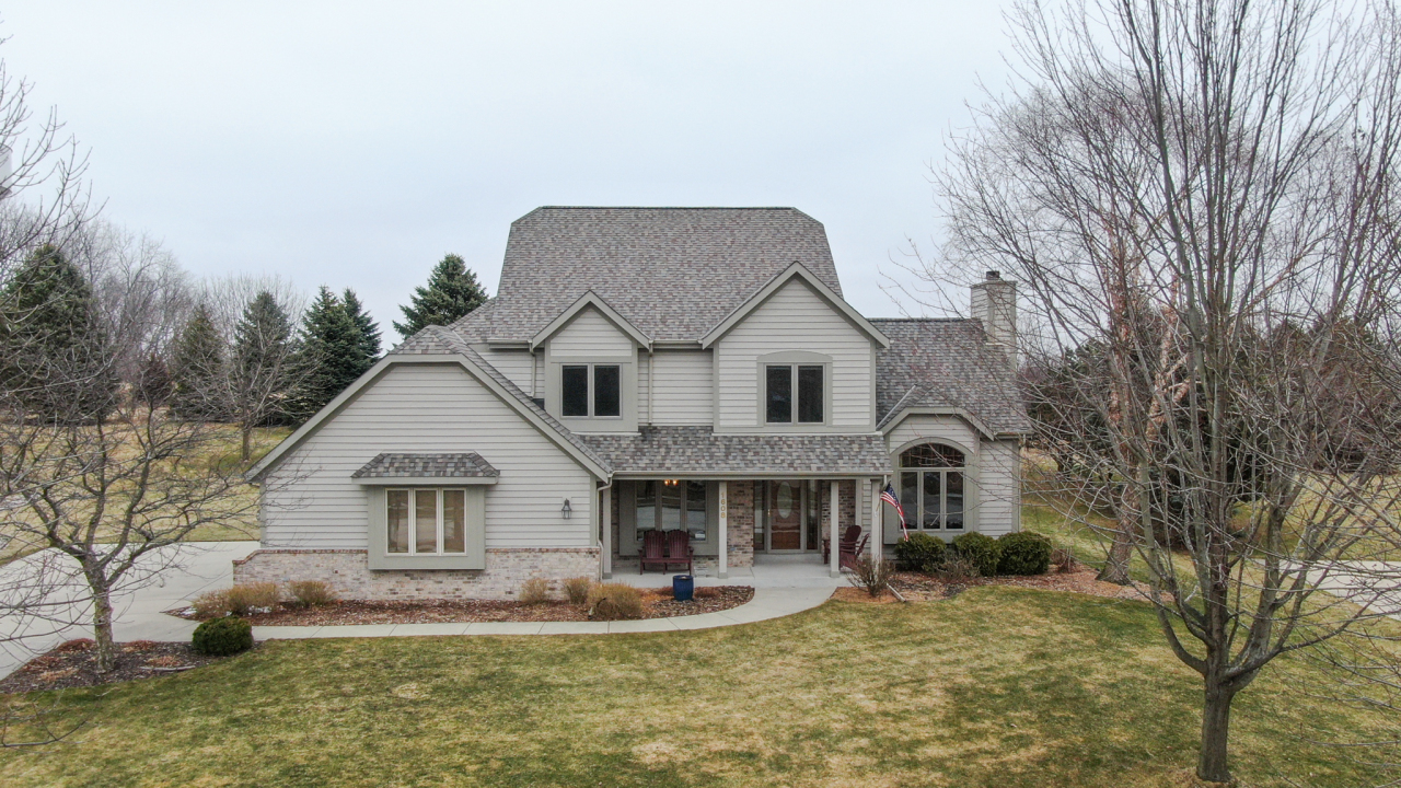 Photo of 1608 Tallgrass Cir, Waukesha, WI 53188