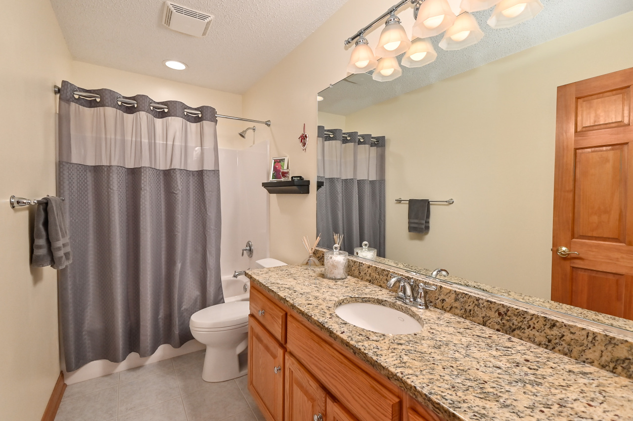 Hall Bath wGranite Counter