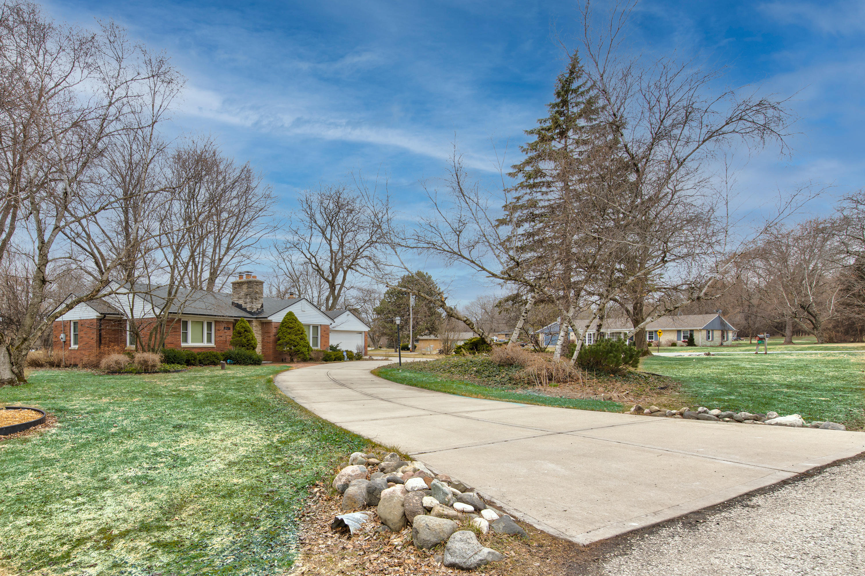 16115 Brentwood Dr-2
