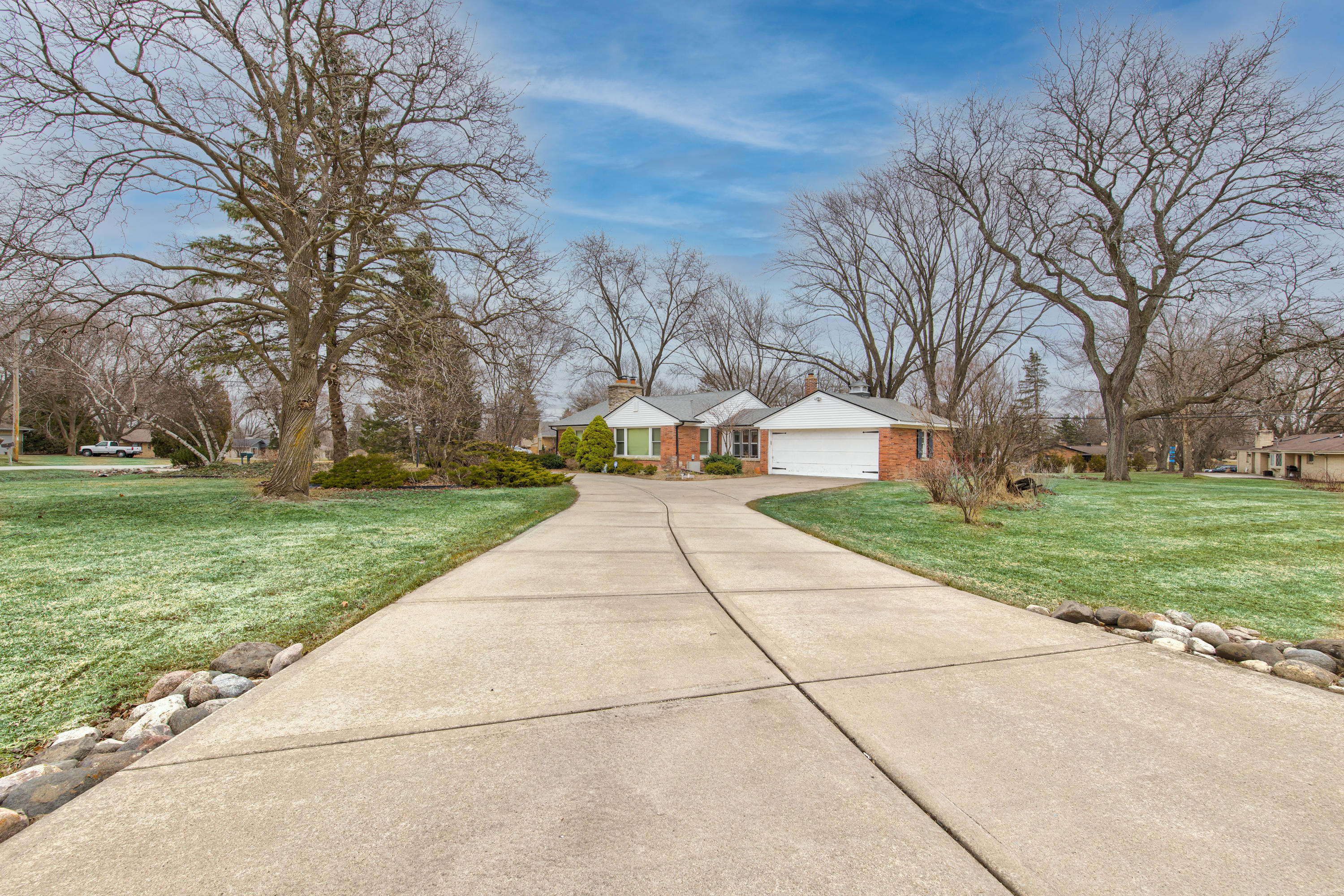 16115 Brentwood Dr-4