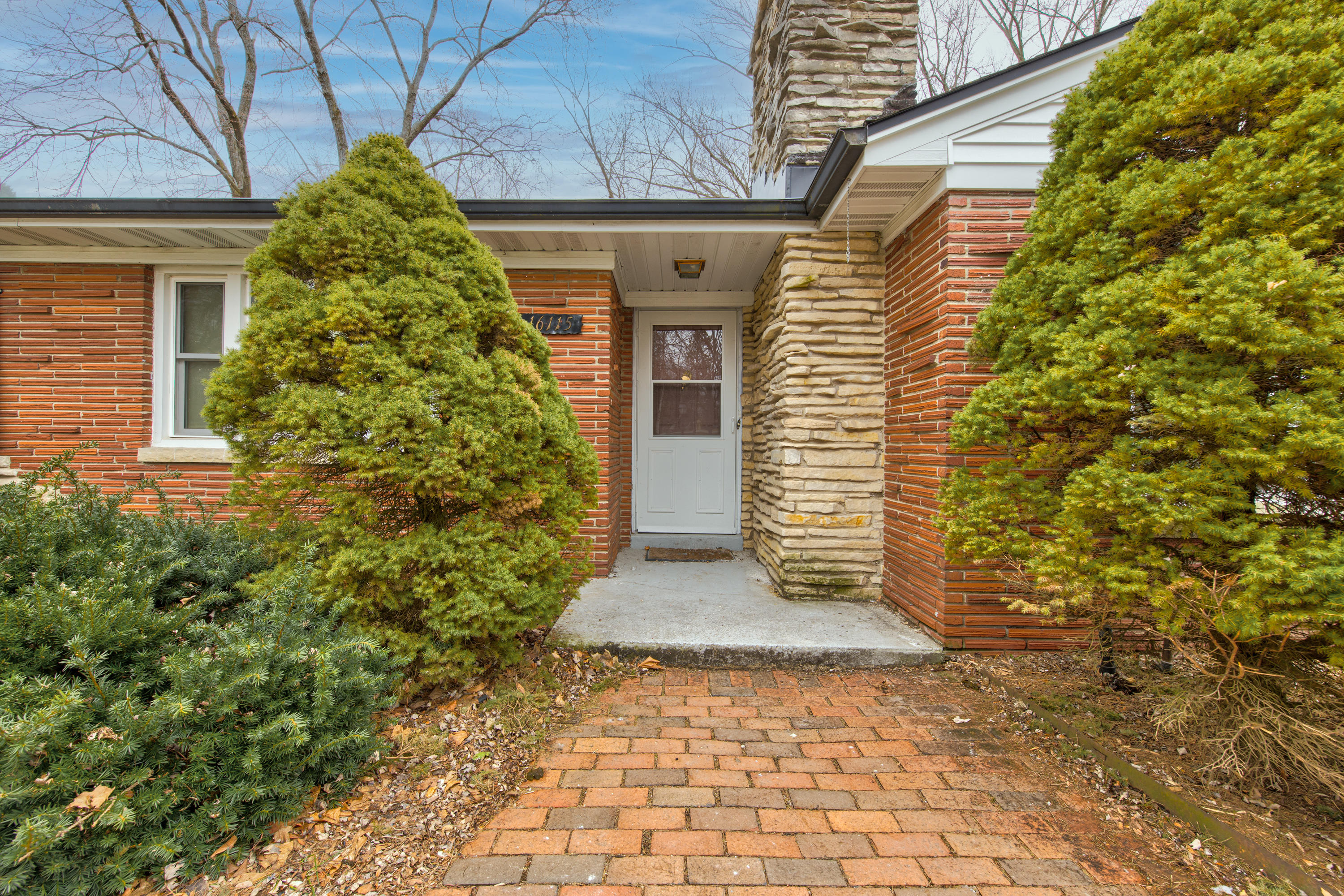 16115 Brentwood Dr-5