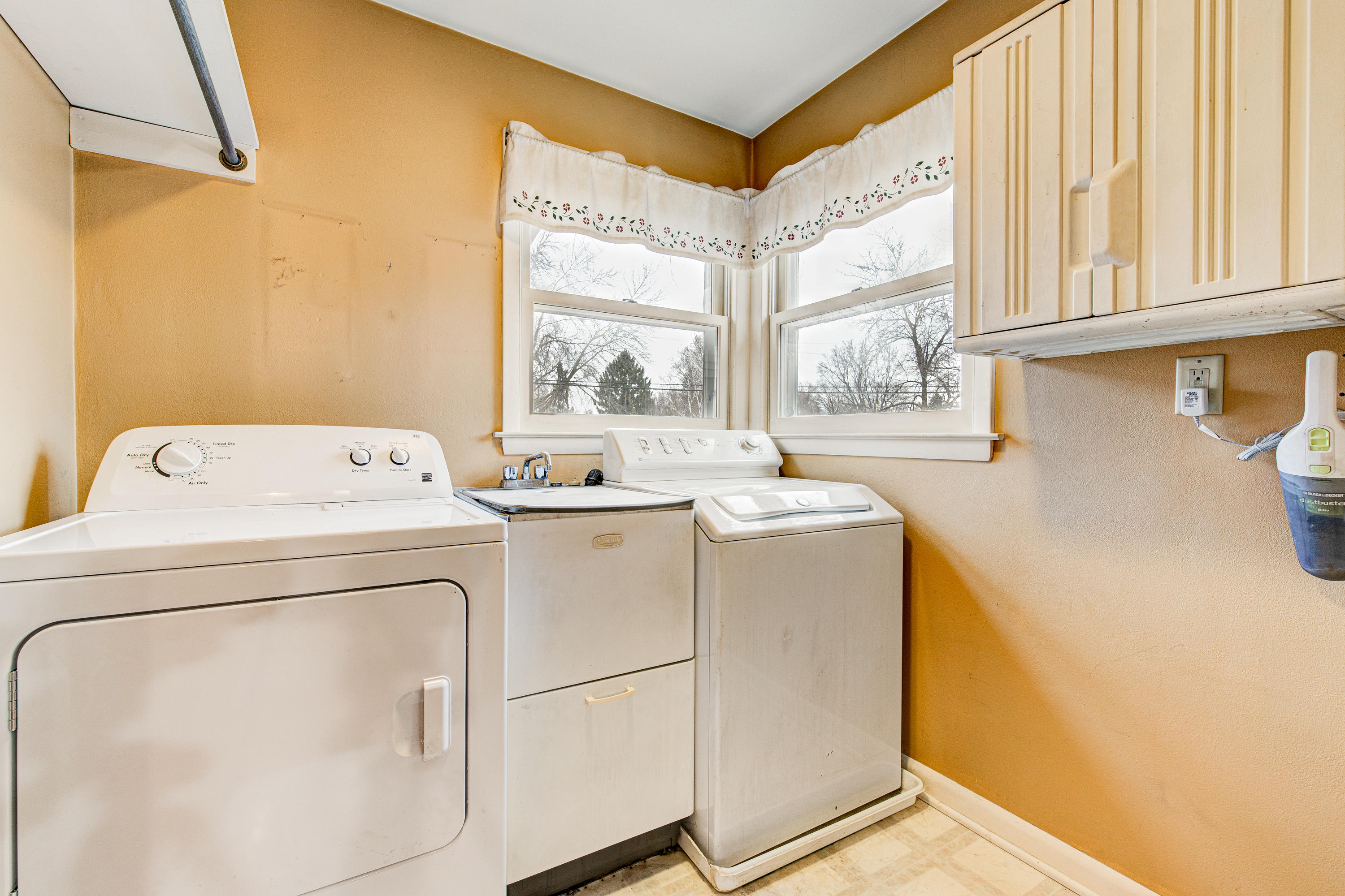 16115 Brentwood Dr-28