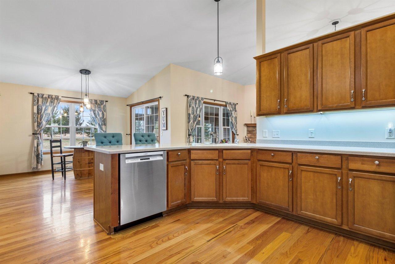 Gorgeous open kitchen