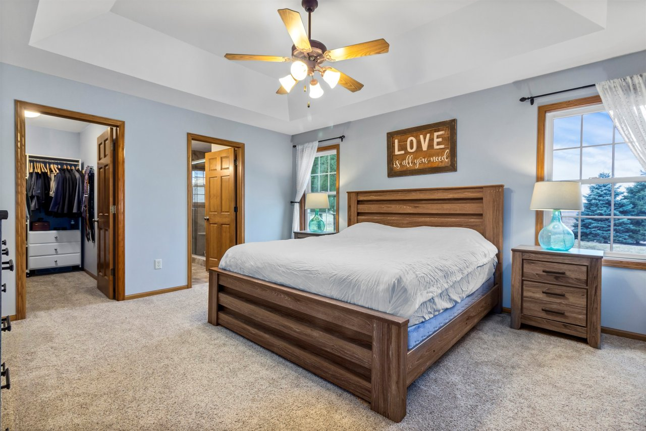 Master Bedroom wtray ceiling