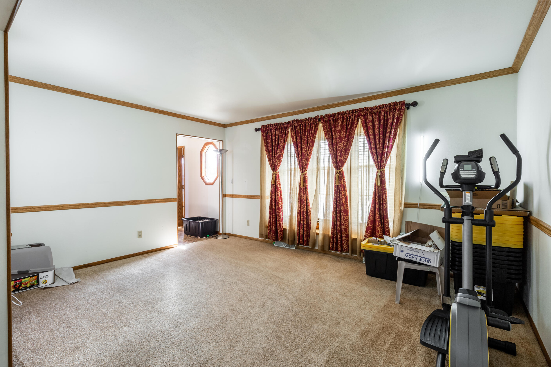 Den/Extra Living Room