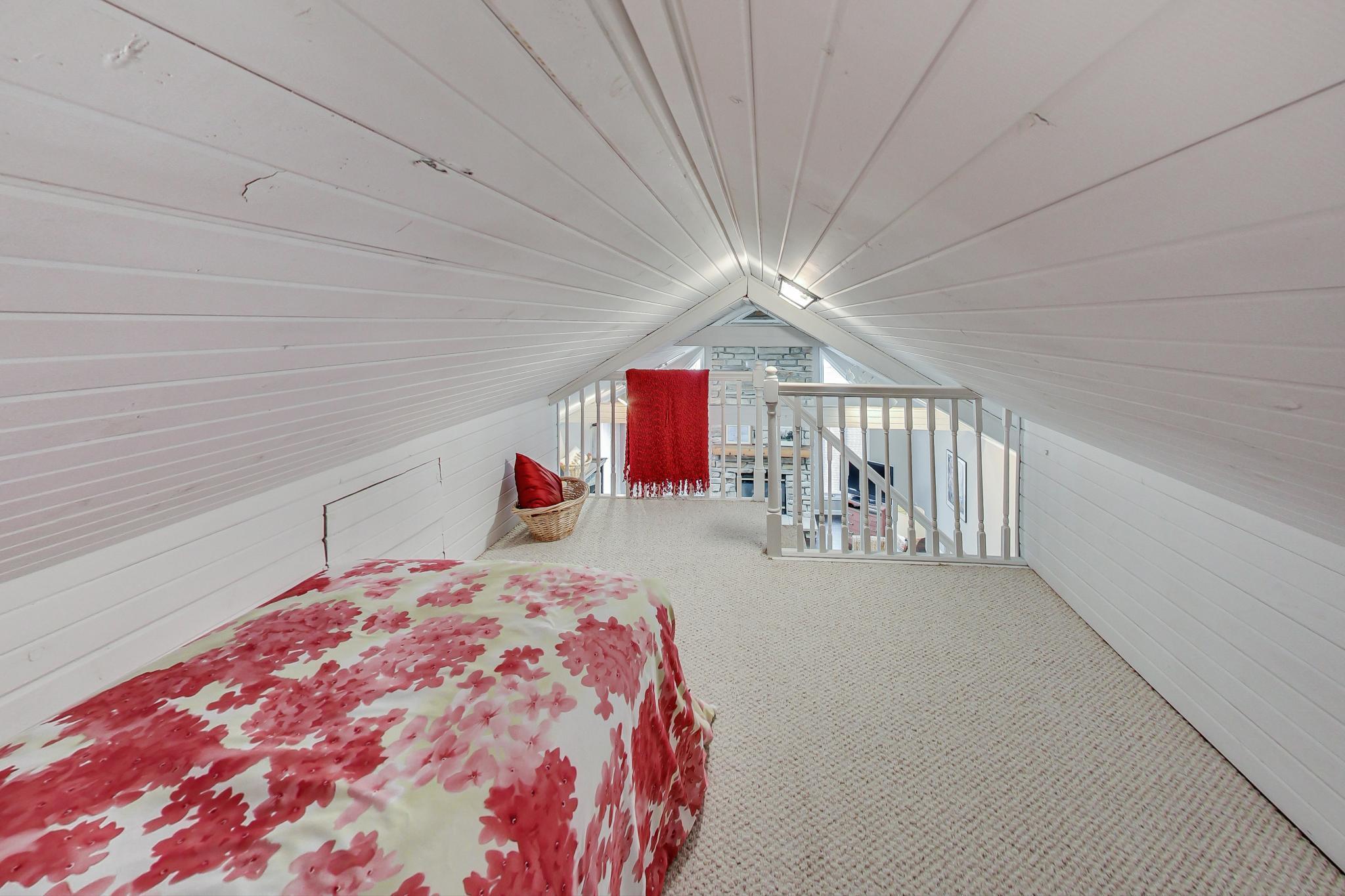 742 Geneva Lane - Sleeping Loft