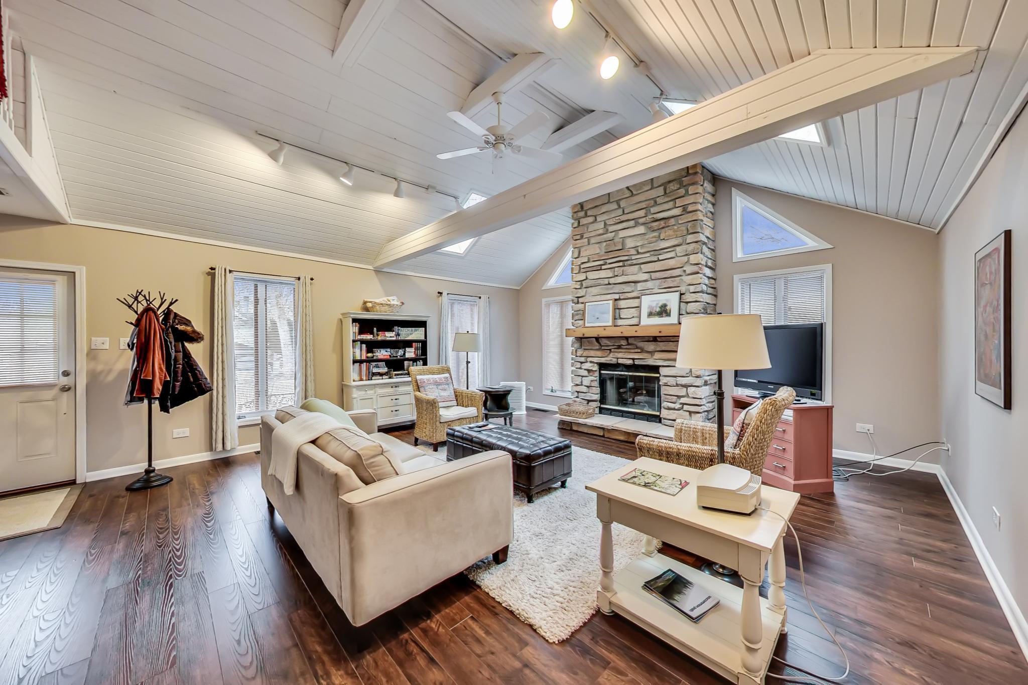 742 Geneva Lane - Living Room