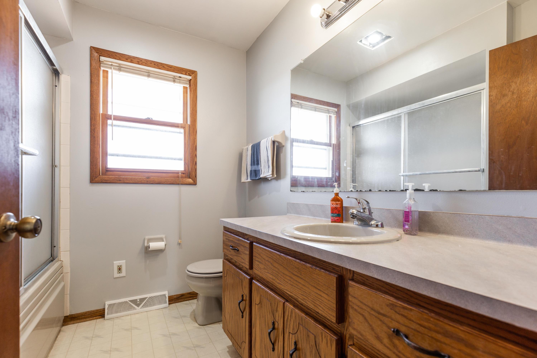 Bathroom w/ Whirlpool Tub