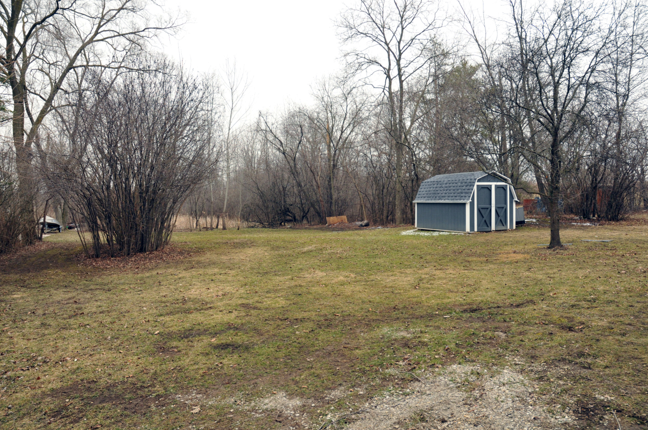 on .95 acre with shed