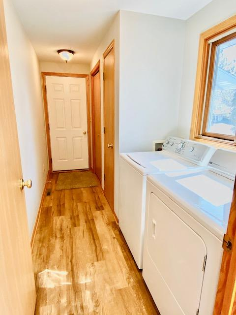 16 - Back Entry-Laundry Rm